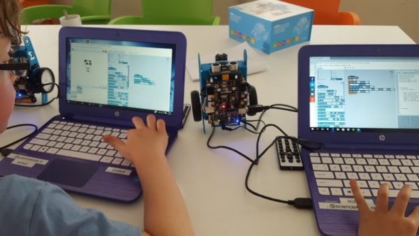 Kids hacking the robot